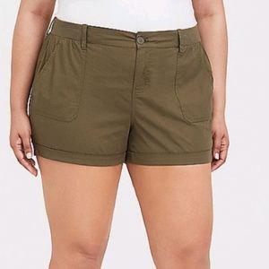 Torrid Olive poplin shorts with cuff